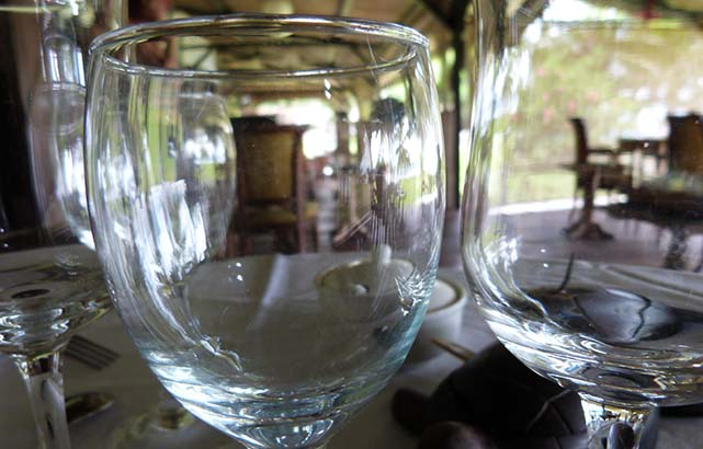 verre-restauration-saintemarielodge-madagascar-4